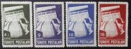 TURQUIE TURKEY N° 1027 à 1030 COTE 5 € 1945 NEUFS * MH RECENSEMENT DE LA POPULATION - 1921-... République
