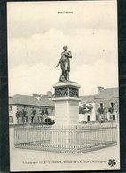 CPA - CARHAIX - Statue De La Tour D'Auvergne - Carhaix-Plouguer