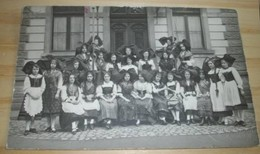 MUNSTER  -  GROUPE ALSACIENNES COSTUMES FOLKLORE TRES ANIMEE 1918 JAHNEISSEN PHOTOGRAPHE  @ VUE RECTO VERSO AVEC BORDS - Munster