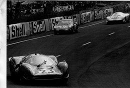 Ferrari 412P- Pilotes:Piers Courage/Dick Attwood - Le Mans 1967 -  Carte Postale - Le Mans