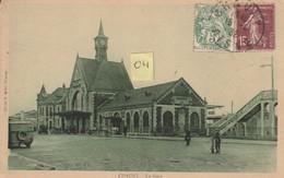CHAUNY 02 La Gare Avec Le Début De La Passerelle Animée De Tombereau Automobiles Cycliste (1932) - Chauny