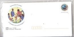 5 Enveloppes Prêtes à Poster,  Illustrées Footballavec Un Jeu Footix Labyrinthe - Entiers Postaux