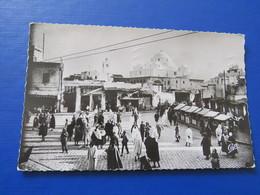 65 - TUNIS - Place Bab Souika. - Tunisia