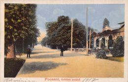 Romania - FOCSANI - Gradina Publica (one Vertical Fold) - Ed. Ad. Maier & D. Stern 3341 - Romania