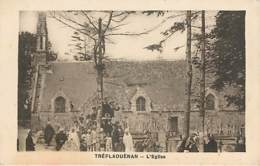 TREFLAOUENAN - L'église - Mariages - Autres Communes