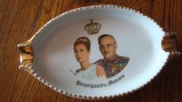 Cendrier Principauté De Monaco - Grace Kelly Et Le Prince Rainier - Porcelana