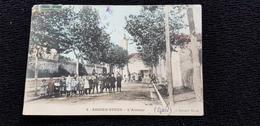 Cp 30 Gard AIGUES VIVES L'Avenue ( Batiment Groupe D'élèves église école ? ) Colorisée - Aigues-Vives