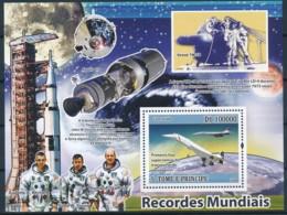 NB - [400669]TB//**/Mnh-Sao Tomé-et-Principe 2009 - Premier Vol Supersonique Transportant Des Passagers, Fusée, Satellit - Space