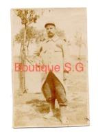 Photo Militaire Uniforme Jardin Exterieur Guerre Campagne 1914 1915  6x4 Cm - Guerra, Militari