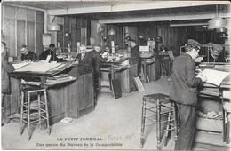 """75 - PARIS 10° - """" LE PETIT JOURNAL """" Une Partie Du Bureau De La Comptabilité - Carte écrite En 1916 - - France"""