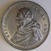 Médaille En Etain Gregorio XIII An I . Massacre Des Huguenots 1572 - Royal/Of Nobility