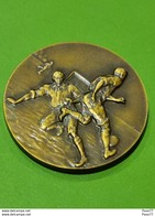 Luxembourg Médaille, F. C Hygiena Limpertsberg, Finaliste Coupe F. C. L 1982 - Entriegelungschips Und Medaillen
