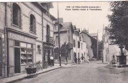 222  LE POULIGUEN  D44  PLACE SAINTE ANNE A PENCHATEAU - Le Pouliguen