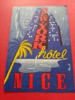 ETIQUETTE 95 Mm X 125 Mm LAMB /  NEW - YORK HOTEL NICE / STATUE DE LA LIBERTE - Adesivi Di Alberghi