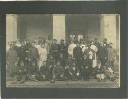 Carte Photo Groupe De Militaires Blessés Tirailleurs Sénégalais   11 - 4 - 31 - 12  Sur Les Casquettes Hopital Militaire - Oorlog 1914-18