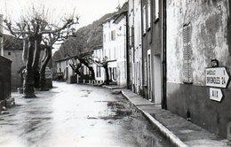 83 - MEOUNES - Route De Marseille & Restaurant Provençal  - Ed Du Sud Est - France