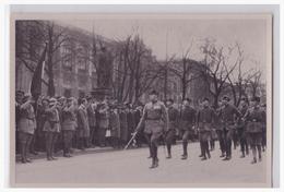 Dt.-Reich (002107) Propaganda Sammelbild, Deutschland Erwacht, Bild 24, Feikorps Oberland Maschiert Vor Adolf Hitler - Lettres & Documents