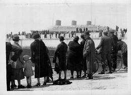 Photo Ancienne ANIMEE  Retour De New York Du Paquebot  C.G.T Normandie 1936 Le Havre - Bateaux