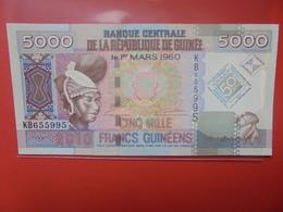 GUINEE 5000 FRANCS 2010 PEU CIRCULER/NEUF (B.12) - Guinea