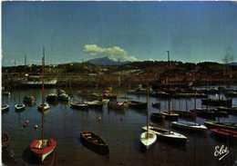 CPSM  Grand Format St JEAN DE LUZ  Socoa : Bateaux Dans Le Port Au Fond ,la Rhune Colorisée R V - Saint Jean De Luz