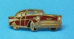 1 PIN'S //   ** CHEVROLET BEL AIR / HARDTOP / ROUGE / 1957 ** - Corvette