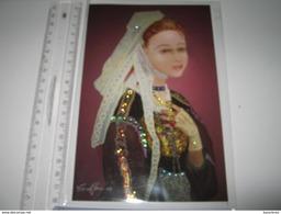 Carte  Voeux Non écrite  Fantaisie  Pas Brodée MAIS Perlée Costume Régional  Bretagne  Maiwenn Lanvénégen  Eva Hamon - Brodées