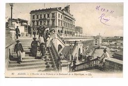 CPA. Alger. Escalier De La Pêcherie. Le Boulevard De La République. (P.360) - Alger