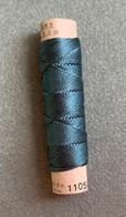 Fil à Coudre Cordonnet Bleu—Marque Vintage Flora N° 5—Soie—Référence 1105 - Creative Hobbies