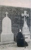Louvain - Heverlée - Ouraonne Priant Sur La Tombe Du Père Lievens - Leuven