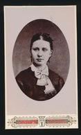CDV - PHOTOGRAPHE   J.MESSIAEN   TOURNAI  23 RUE ROYALE - Anciennes (Av. 1900)