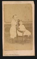 CDV - PHOTOGRAPHE    THEOPHILE BRACKELAIRE   RUE ROC ST NICAISE 17  TOURNAI  2 SCANS - Anciennes (Av. 1900)