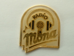 PIN'S RADIO MONA - Médias