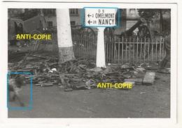 WW2 PHOTO ORIGINALE ALLEMANDE Reste Armes Soldats Français à VEZELISE P. Nancy 54 MEURTHE ET MOSELLE DEFAITE 1940 - 1939-45