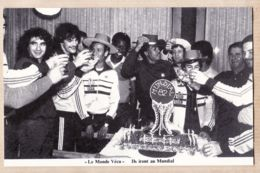 Cpasport 115 Football ROCHETEAU-TIGANA-TRESOR-CASTANEDA-GIRESSE Ils Iront Au MUNDIAL 1982  Série MONDE VECU SEPPMG - Soccer