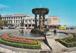 CATTOLICA - RIMINI - PIAZZALE 1° MAGGIO - FONTANA CON LE TARTARUGHE - TARTARUGA / TURTLE -FURGONE GIALLO BIRRA CARLSBERG - Rimini