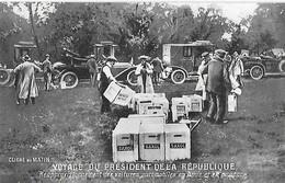 VOYAGE Du Président De La République -Réapprovisionnement Des Voitures Automobiles En Huile Et En Essence - Vari