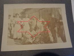 Photo Septembre 1915 LA CHEPPE - Goumiers Et Spahis Devant Leur Cantonnement, Zouave, Tirailleur (A198, Ww1, Wk 1) - War 1914-18