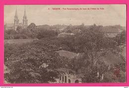 CPA (Réf: Z 2606) SA�?GON (ASIE VIÊT-NAM) Vue Panoramique Du Haut De L'Hôtel De Ville - Vietnam