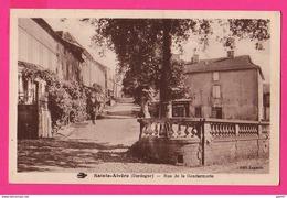 CPA (Réf: Z 2719) St-ALVÈRE  (24 DORDOGNE) Rue De La  Gendarmerie (animée) - Other Municipalities