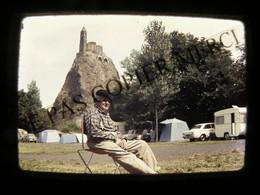 DIAPOSITIVE PHOTO Camping Le Puy En Velay Homme Tente Caravane Slide 24x36 35mm - Automobiles