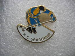 Pin's Du Hockey Club De SAVAGNIER En Suisse - Eiskunstlauf