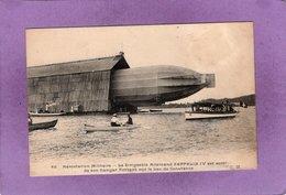 Aérostation Militaire Le Dirigeable Allemand Zeppelin IV Est Sorti De Son Hangar Flottant Sur Le Lac De Constance  C.M. - Dirigibili