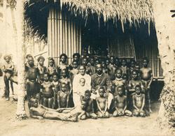 Albumen Photo - Group Photograph, Natives Pacific Islands OCEANIA - Alte (vor 1900)