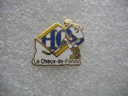 Pin's Du Hockey Club De La Ville De La Chaux-de-Fonds En Suisse - Patinaje Artístico