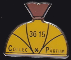 64626- Pin's. 3615 Collec Parfum.Minitel.signé Tirage 500 Ex. - Perfumes