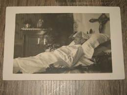 BoiteG05 *1 Carte Postmortem  Femme  Sur Lit De Mort - Photographie