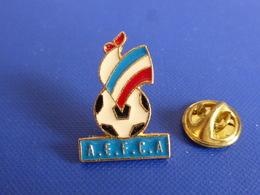 Pin's AEFCA Alliance Of European Football Coaches' Associations - Coq Sportif Foot Football Ballon (PAC64) - Football