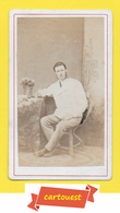 Photographie Albumen ֎ CDV Circa 1870 ♥️ ♥️☺♦♦ HOMME BOURGEOIS   ֎ Stylo - Bureau - Décor Studio - Photos