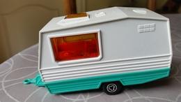 Majorette Caravan 1:36 In White/Green Good Condition - Non Classificati