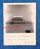 Photo Ancienne Snapshot - Prés Les SAINTES MARIES De La MER - Maison De Guardian - Aout 1952 - Histoire Patrimoine - Luoghi